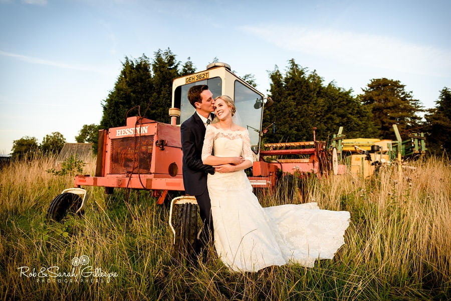 rustic-country-farm-wedding-photographer-188