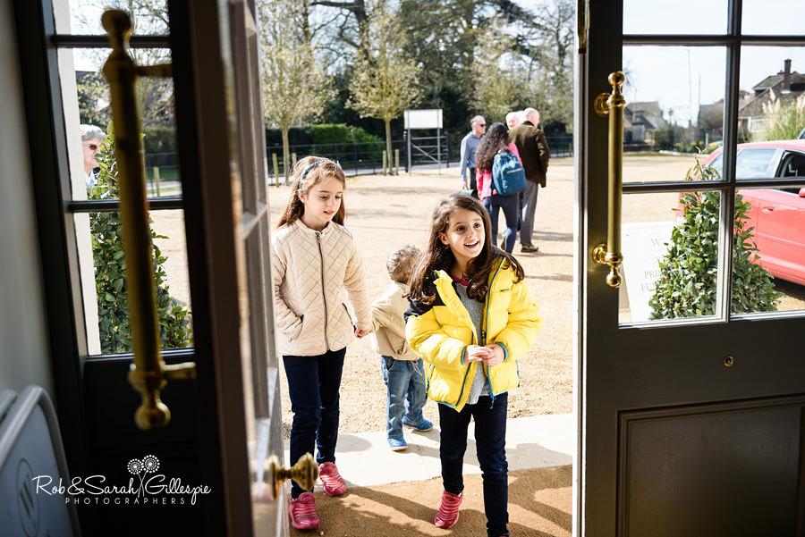 Flower girls arriving at Warwick House