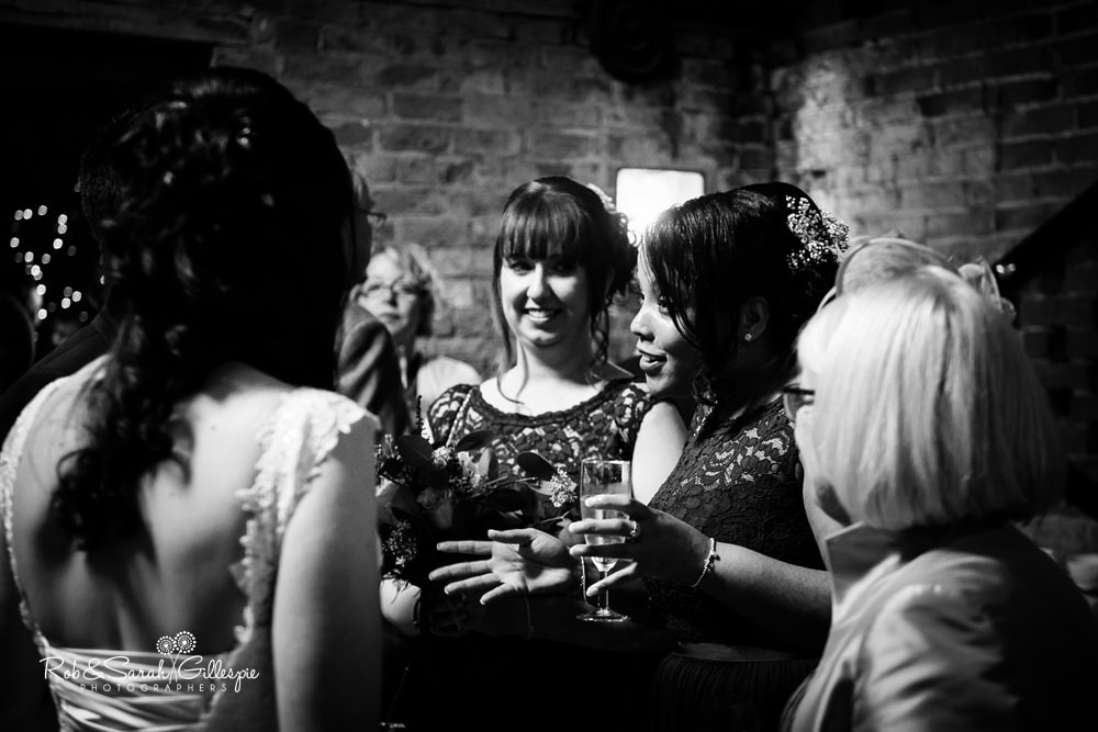 Wedding photography at Cripps Shustoke Barn by Rob & Sarah Gillespie