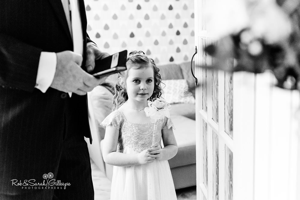 Flowergirl sees her mum in her wedding dress