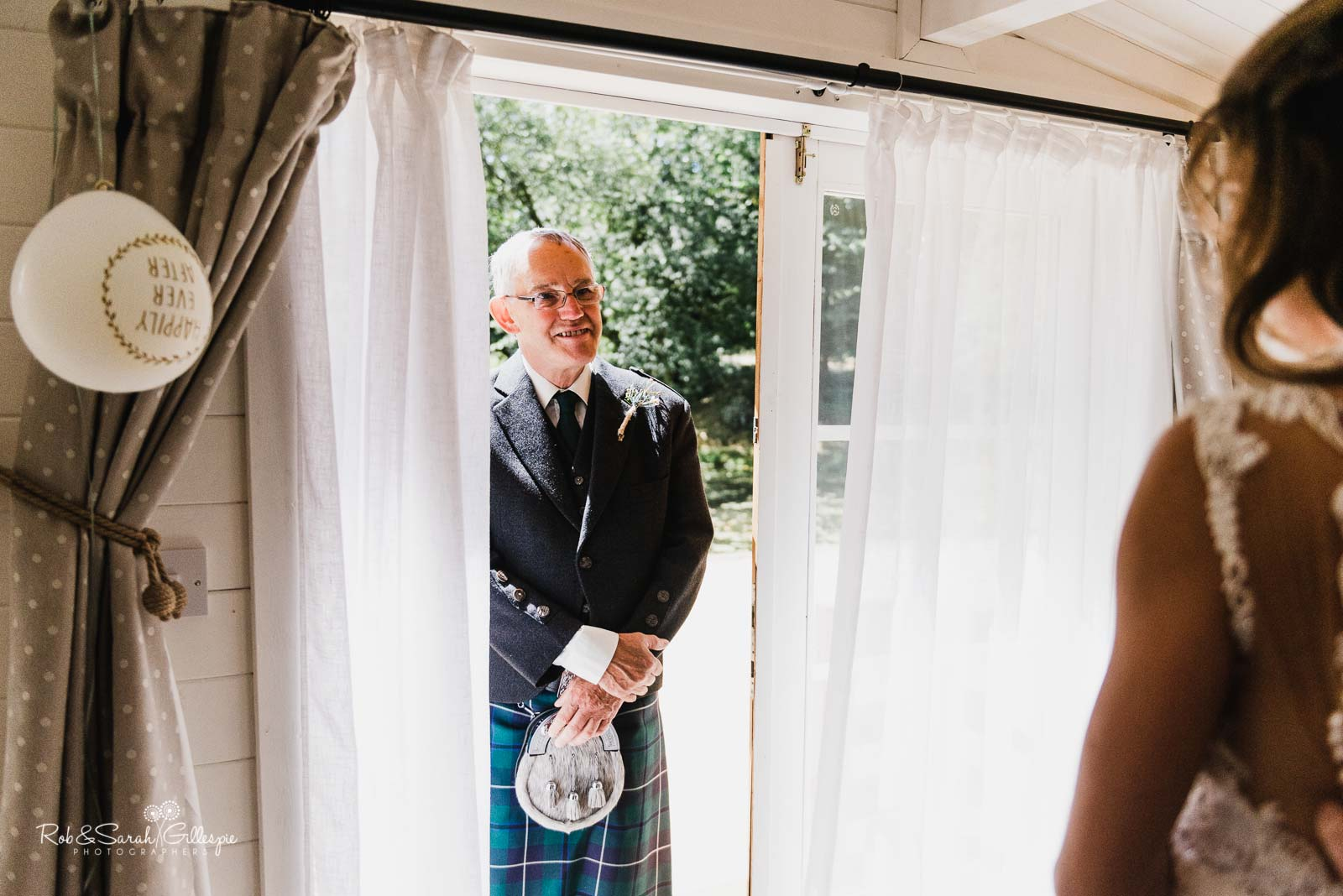 Brides father sees her in wedding dress at Wethele Manor