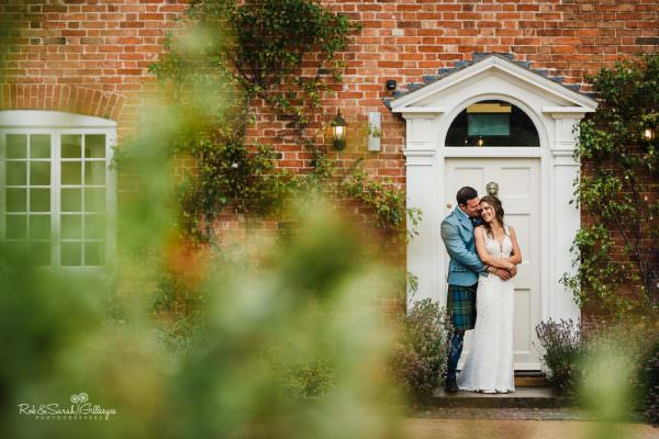 Relaxed couple photos at Wethele Manor