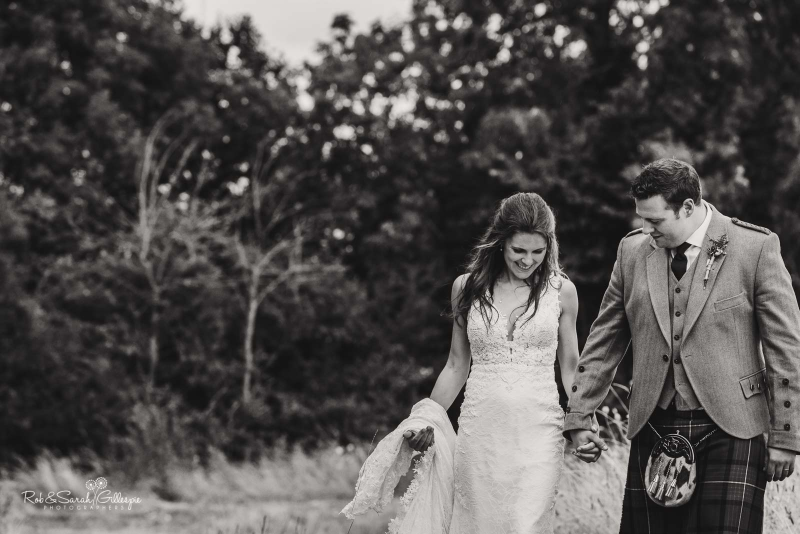 Natural wedding photography with bride and groom at Wethele Manor