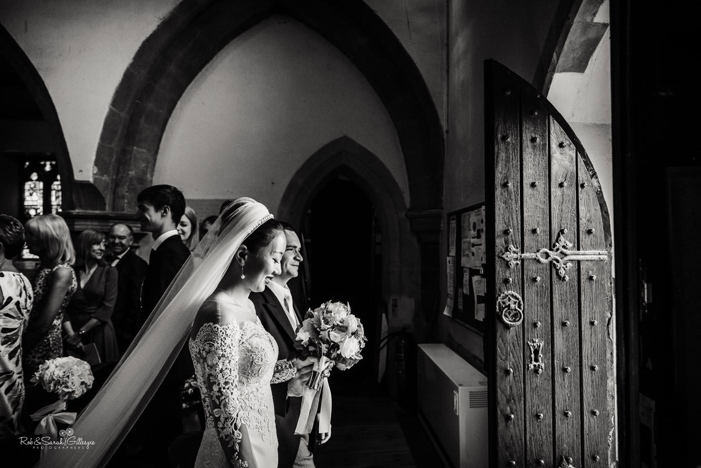 Wedding at St Peter's church Bourton-on-Dunsmore photographed by Rob & Sarah Gillespie