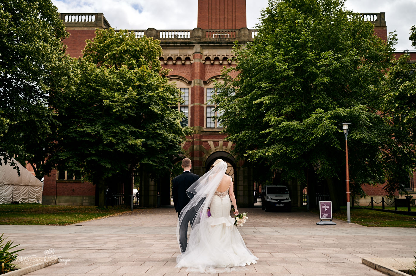 Bride and groom wedding photos at Birmingham University