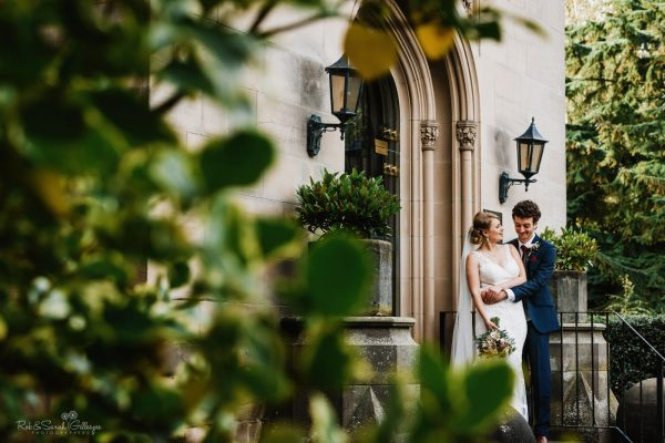Beautiful and relaxed wedding photography at Hampton Manor