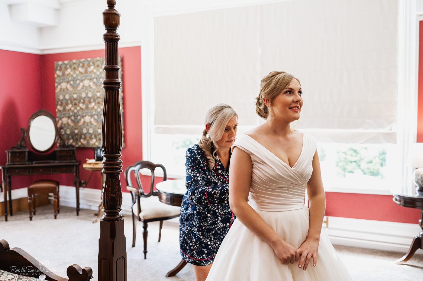 Bride gets ready for wedding at Pendrell Hall