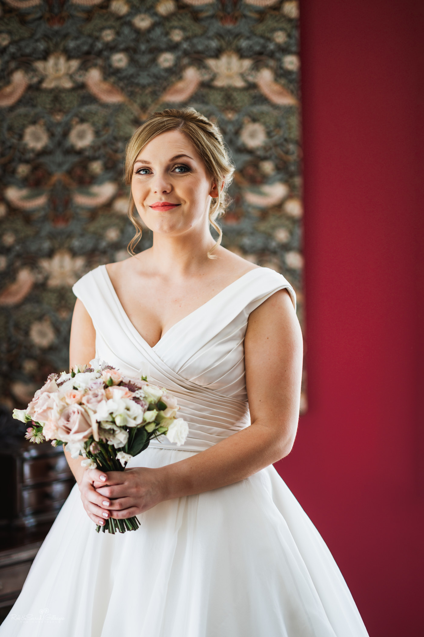 Bride portrait at Pendrell Hall