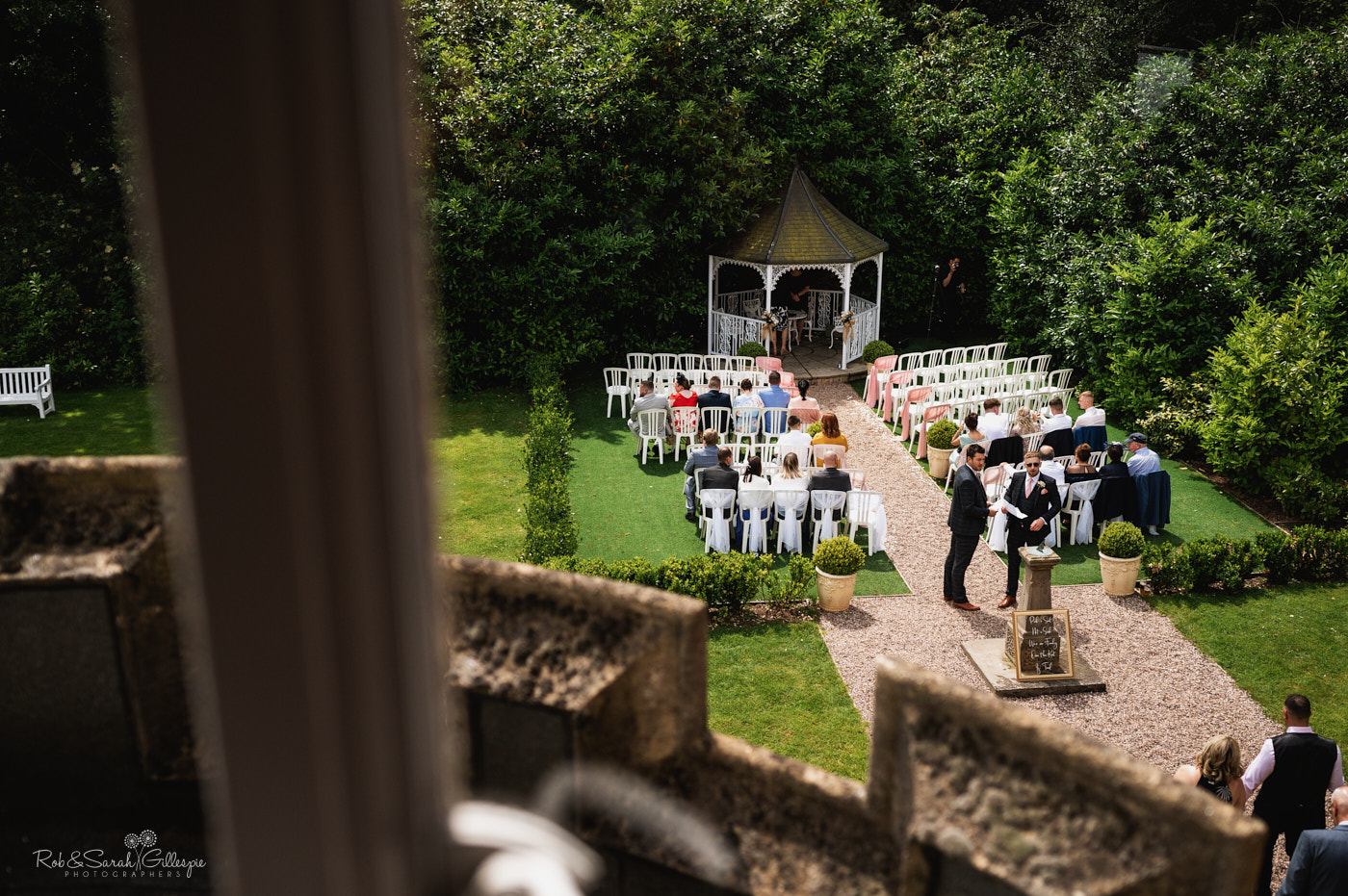 Guests arrive for outdoor wedding at Pendrell Hall