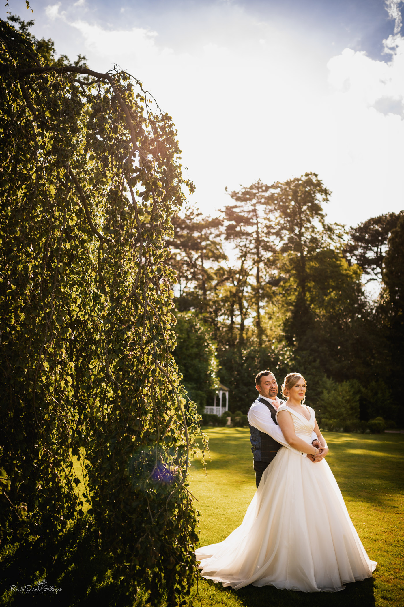 Couple photos at Pendrell Hall wedding