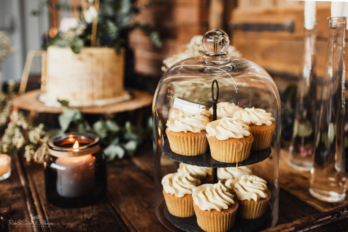 Swallows Nest Barn wedding cakes