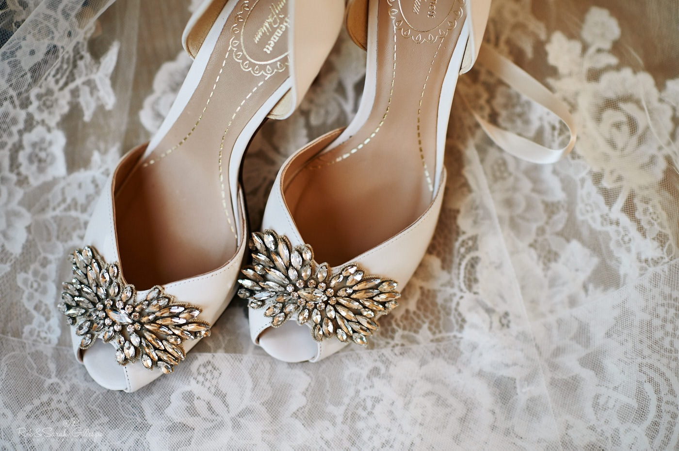 Bridal shoes with detailed design