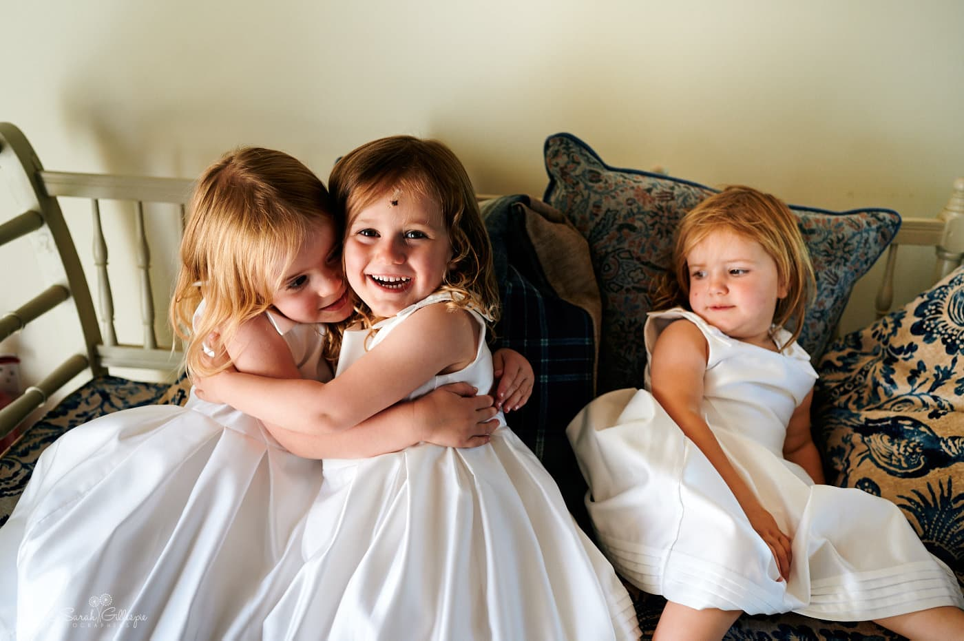 Flowergirls playing before wedding