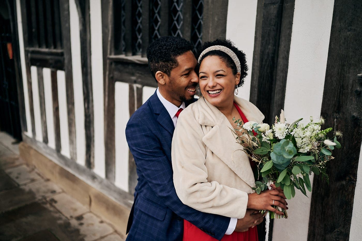 Newly married couple small wedding in Stratford-upon-Avon